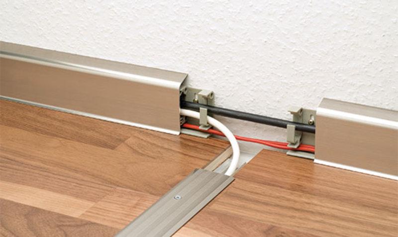 Aluminium-Clips-Sockelleiste Nr. 350